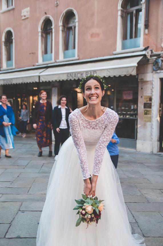 lancio bouque sposa a venezia