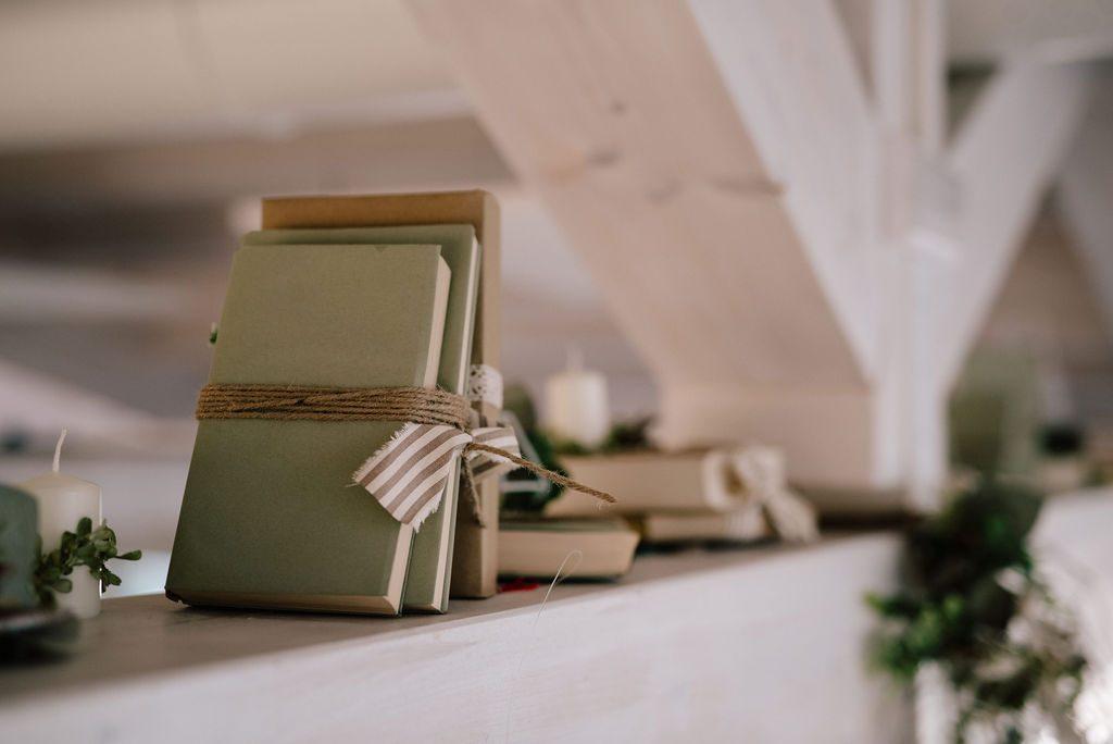 libri vintage decorazione ristorante colli euganei
