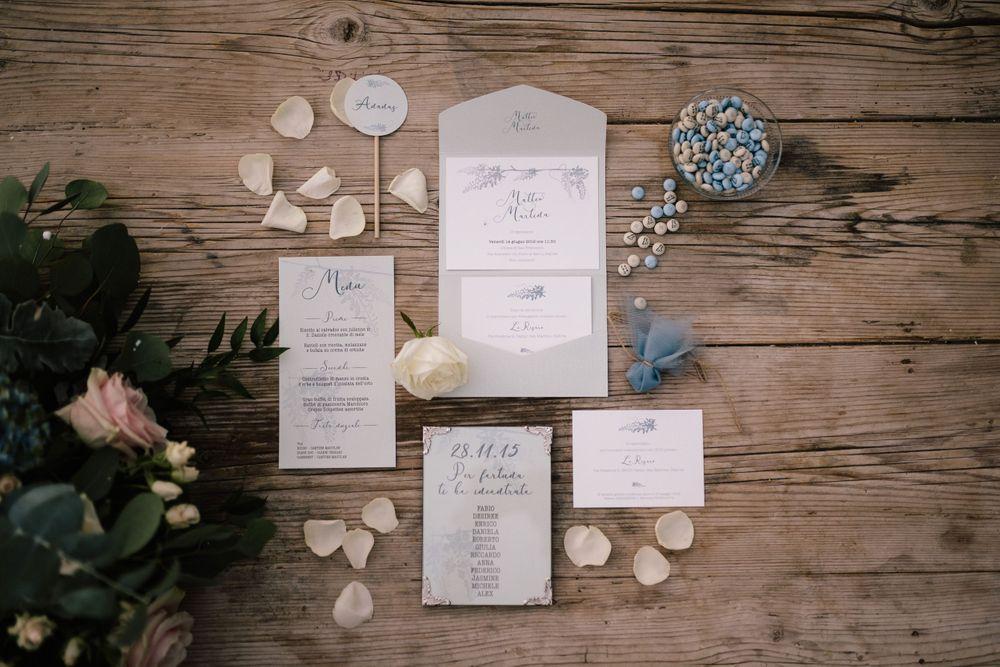 Coordinato cartaceo del matrimonio color verde salvia e azzurro polvere